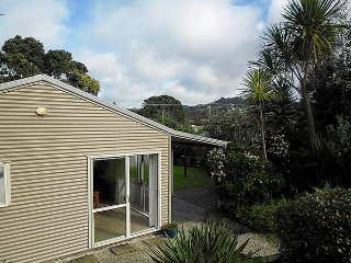 Ocean Beach Honey - Tairua Holiday Home
