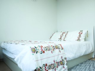 D.S'ROOM NEAR THE DANGSAN STAION & HAN RIVER, Gwangmyeong