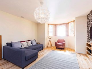 Spacious One Bedroom Apartment in Central Southsea, Portsmouth