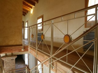 Precious country house near Venice, with large park and parking.