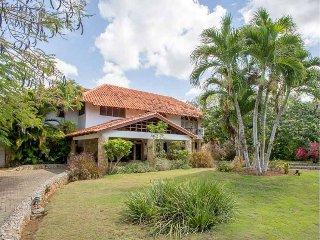 New! 4BR Casa de Campo Villa w/Pool & Jacuzzi!