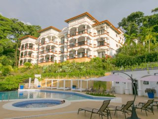 Shana Residences 3Br: Sea-Views & Walk-to-Beach!, Parque Nacional Manuel Antonio