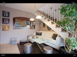 Precioso Ático con terraza y cochera, Monachil