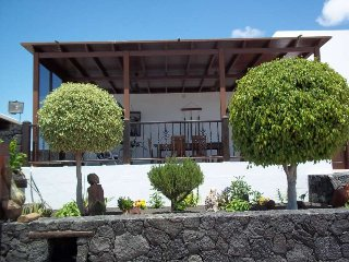 VILLA MINUKY IN MUñIQUE FOR 9P, Tiagua