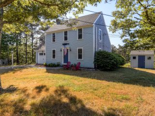 Bright & Recently Refurbished 4BR Colonial Salt Box Home in Cape Cod w/ Many High-End, Custom Features!, South Chatham