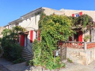 Maison avec cachet au pied du Mont Ventoux, Saint-Pierre de Vassols