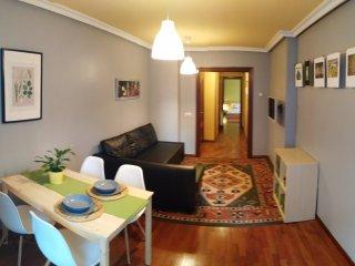 apartamento con terraza entre dos playas, Gijón