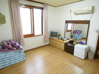 Seogwipo minjoonggak korean room6