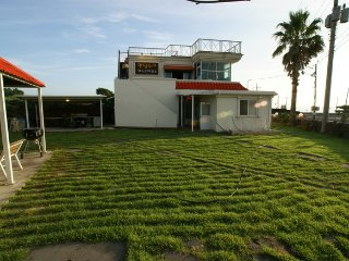 The beautiful house near Handam Beach (for 10 persons), Jeju