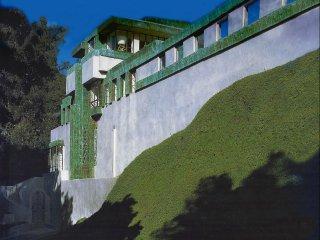 #92 The Samuel-Novarro House, Los Angeles