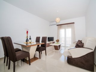 Apartments Vukovic-Two Bedroom Apartment with Sea View 2