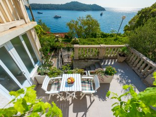Apartments Kirigin - One Bedroom Apartment with Terrace and Sea View (Luka)