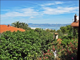 Apartment Rina - Three Bedroom Apartment with Terrace and Sea View, Supetar