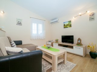 Apartments RBB - One-Bedroom Apartment with Balcony (5 Adults) 2