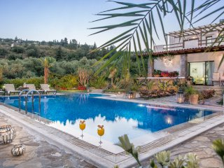KALITHEA   VILLA CHANIA  CRETE   PRIVATE LUXURY VILLA WITH POOL