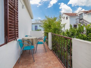 Guest House Radojicic - One Bedroom Apartment with Balcony, Bijela