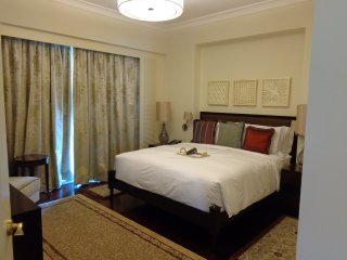 Raffles Luxurious 1Bedroom Suite, Makati