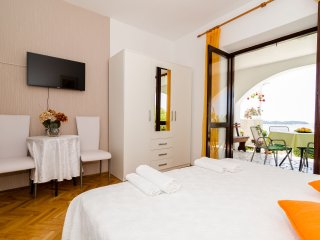 Apartments Sandito-Double Room with Terrace and Sea View
