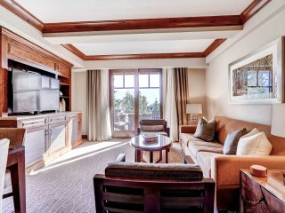 Luxury Ski-in/out 2BDR Suite Inside The Ritz-Carlton Bachelor Gulch, Avon
