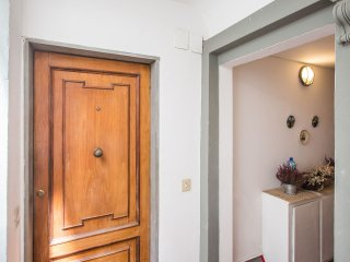 Nice 1 Bedroom Vacation Apartment in Downtown Flor