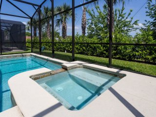 6 bed brand new pool  home at Paradise Palms