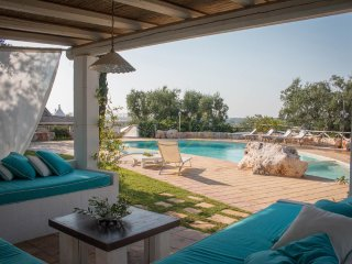 TRULLI BOUGANVILLE with pool