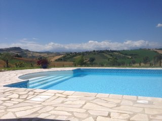 Villa with Pool and panoramic views sleeps 14, Bellante