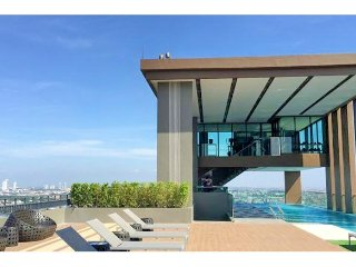Luxury  Condo, BTS Bearing, BITEC Bangna, Samut Prakan