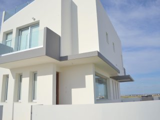 Modern 3 bed T&E Villa with a pool, Oroklini