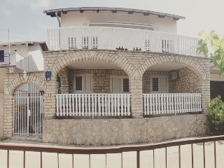 Villa The heart of Croatia ***** - near the beach, wifi, air condition, pr. park, Pirovac