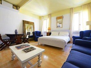 Moro house apartment, Roma