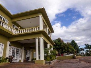 Luxury 2BRM Apartment