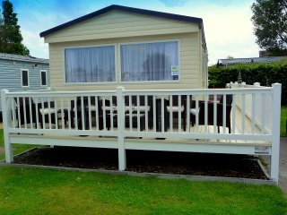 ** BRAND NEW 2016 3 BED CARAVAN **, Caister-on-Sea