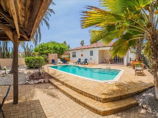 Caribbean Casas: Cozy 2-bedroom Villa Hara up to 4 guests, close to the golf cou