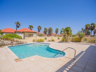 4 bedroom villa with golf and ocean view
