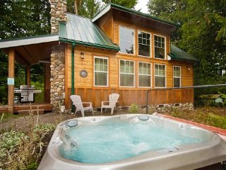 Mt Baker Rim Family Cabin #11 - HOT TUB, BBQ, WASHER/DRYER, DISHWASHER, SLEEPS-6