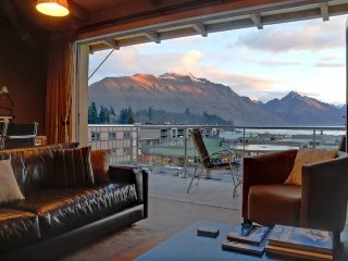 Chambers, Queenstown