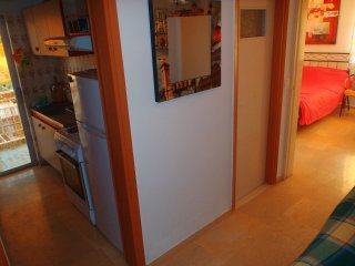 Spacious Studio with kitchen wifi washing machine, Loutraki