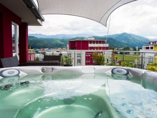 Brasov Penthouse Retreat Rosu with Private Jacuzzi