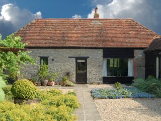 Courtyard Barn Luxury cottage sleeps 6