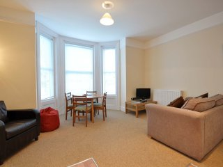 4 The Boltons - Modern 1 Bedroom Apartment with Heated Swimming Pool Bournemouth