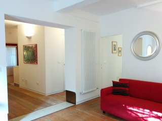 With private courtyard! Close to S.Lucia station, Venice