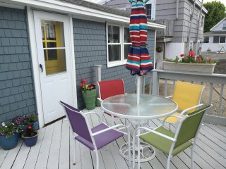 Cute, Cozy & Clean Beach Cottage - Great Deck!