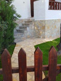 Apartamento-villa jardin terraza privados enfrente piscina a 1minuto de la playa,nautico,supermerca