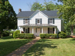 Large Southern Farm House_newly renovated!, Afton