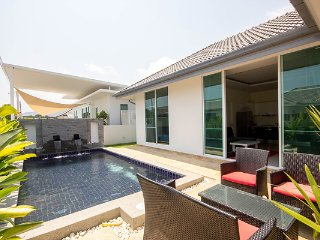 Private Pool Villa close to town, Hua Hin