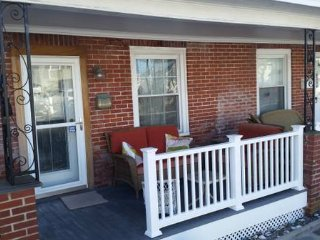 Renovated beach Townhome patio 3 bedrms/2 bath, Ocean City