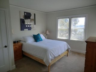 Furnished 1-Bedroom Apartment at Montgomery St & Green St San Francisco