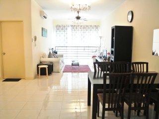 Victoria Home SPACIOUS 3BR Near KIDZANIA eCurve PJ, Petaling Jaya