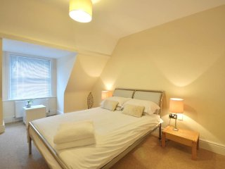 9 Boltons - 1 Bedroom Apartment with Swimming Pool, Bournemouth
